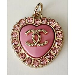 Kyпить Pink Chanel Heart Stamped Button Charm Zipperpull на еВаy.соm