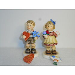 Kyпить Hummel #2258 FOR MOMMY & #2259 A GIFT FOR YOU 1st Iss w/Heart & Flower Pins MINT на еВаy.соm