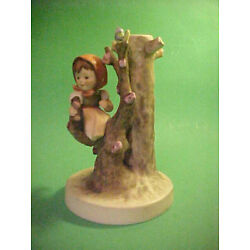 Kyпить vintage GOEBEL CANDLE HOLDER ~ APPLE TREE GIRL ~ 6 1/4