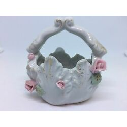 VINTAGE MINIATURE HAND PAINTED PORCELAIN JAPAN BASKET 4'' WHITE WITH PINK ROSES