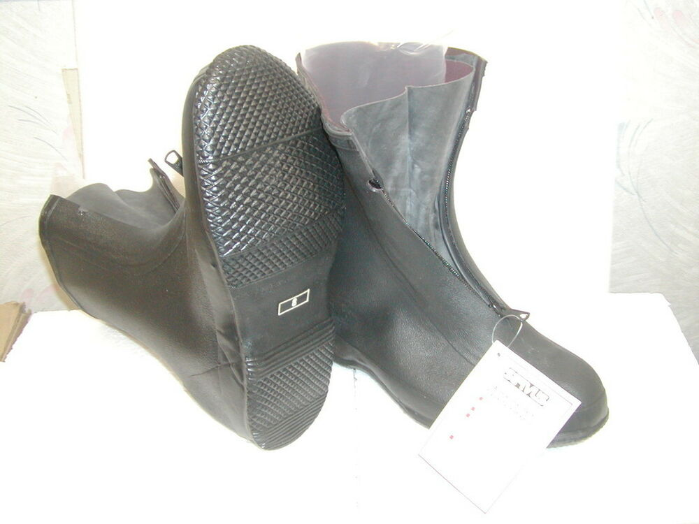 Find great deals on eBay for galoshes. Shop with confidence.