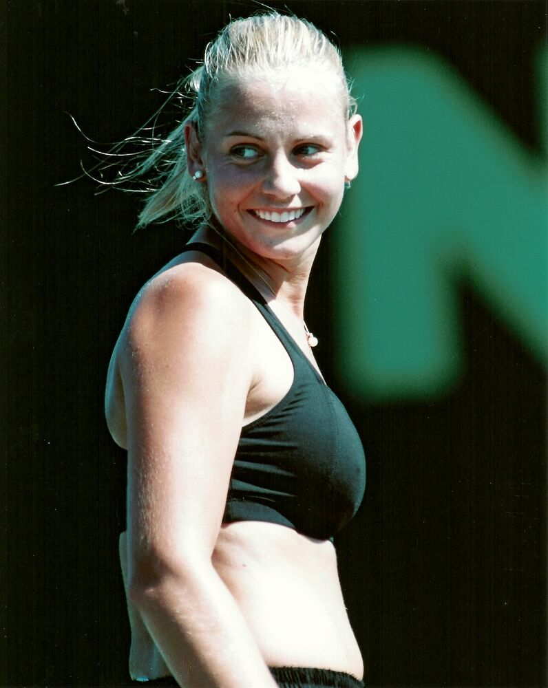 topless JELENA DOKIC 8x10 Candid Color Photo TENNIS