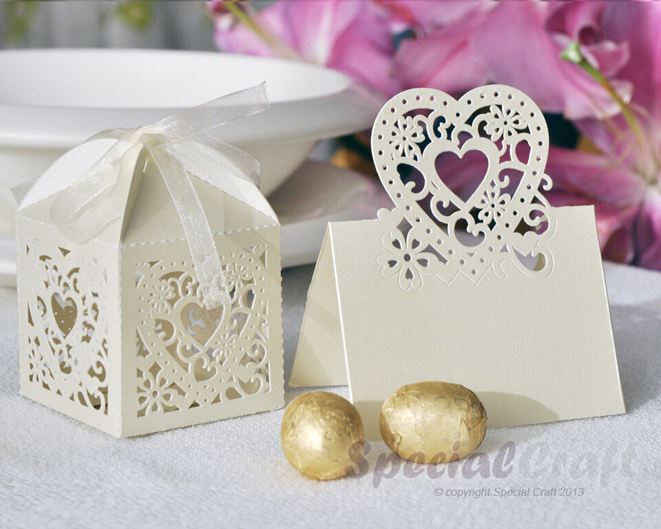 Luxury cut-out design wedding sweets gift favour boxes with ribbon ...