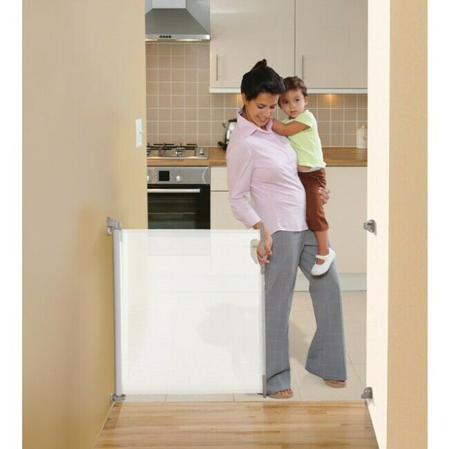 Offer New Dreambaby Retractable Baby Pet Safety Gate