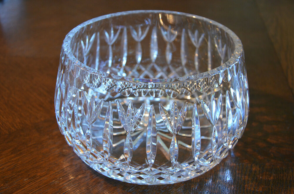 clear cut crystal glass bowl vase rose elegant centerpiece round heavy thick and ebay. Black Bedroom Furniture Sets. Home Design Ideas