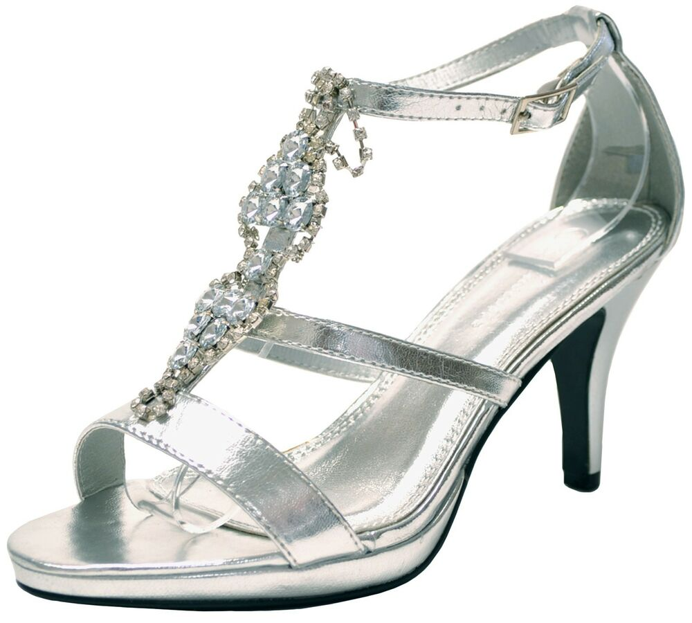 The world's largest dance shoes Online store carries all kinds of dancing shoes like contemporary dancing shoes ballroom dance shoes, Latin dance shoes, social dance shoes, Practice, salsa, swing, jazz, ballet, coach, Tap, dance sneakers, wedding, bridal and party dance shoes, show choir dance shoes and dance clothing. More than styles.