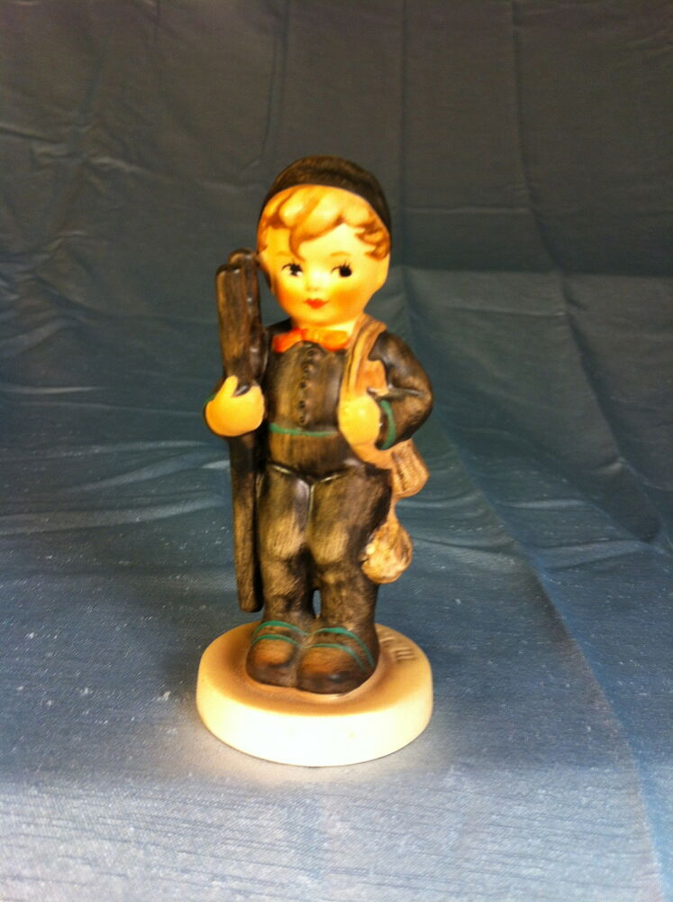 hummel figurines -- Antique Price Guide - AntiquesNavigator