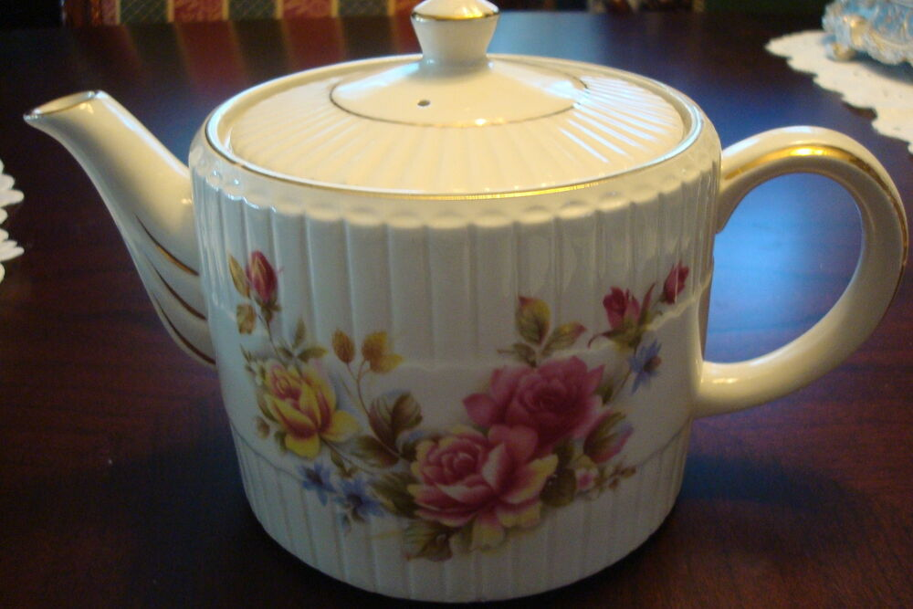 teapot ellgreave ironstone made in england decorated with flowers ebay. Black Bedroom Furniture Sets. Home Design Ideas