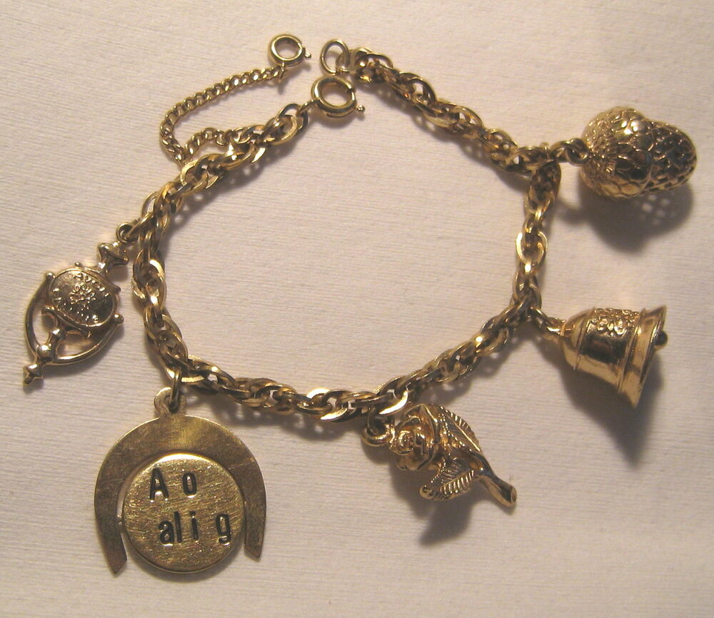 "Antique Gold Charm Bracelet: Vintage AVON Collectors "" AVON CALLING "" 5 Charms 7 ¼"