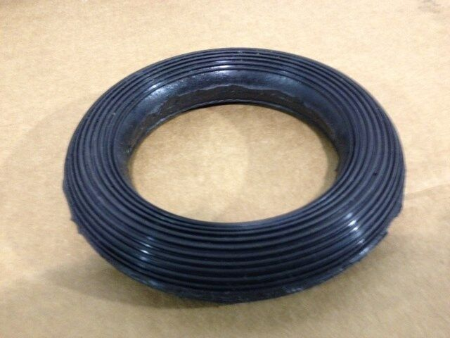 Rolling rubber o ring donut plumbing fitting pvc to