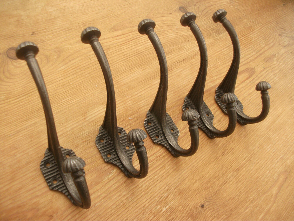 5 x victorian cast iron coat hooks antique vintage rustic shabby chic look heavy ebay. Black Bedroom Furniture Sets. Home Design Ideas
