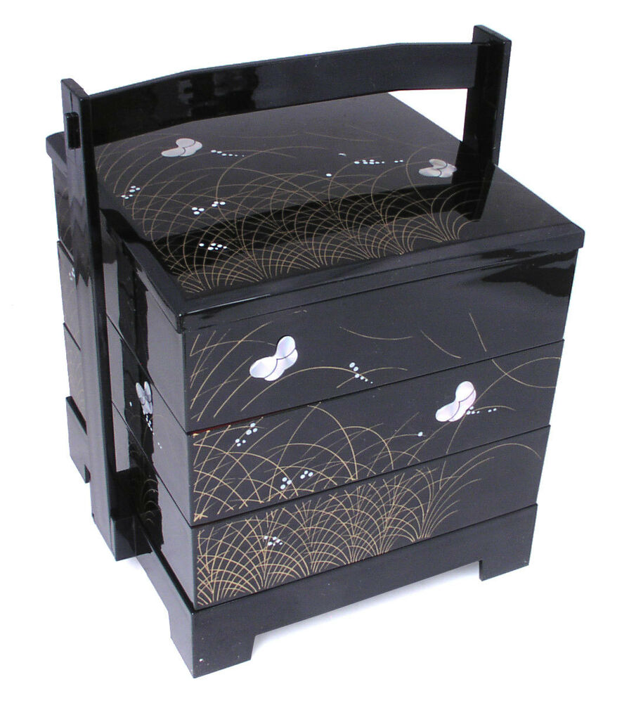 japanese lacquer stack lunch bento box 3 tiers black butterfly made in japan ebay. Black Bedroom Furniture Sets. Home Design Ideas