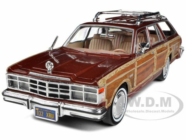 1979 chrysler lebaron town and country burgundy 1 24 model car by motormax 73331 ebay. Black Bedroom Furniture Sets. Home Design Ideas