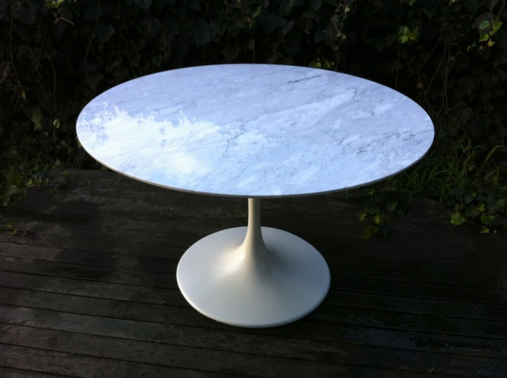 Tulip Style Table 47 Quot Round White Italian Marble Top