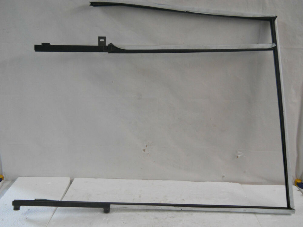 Land rover discovery lh drivers side rear door window for Back door frame