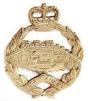Q.C ROYAL TANK CORPS ARMY CAP BADGE SOLID SILVER