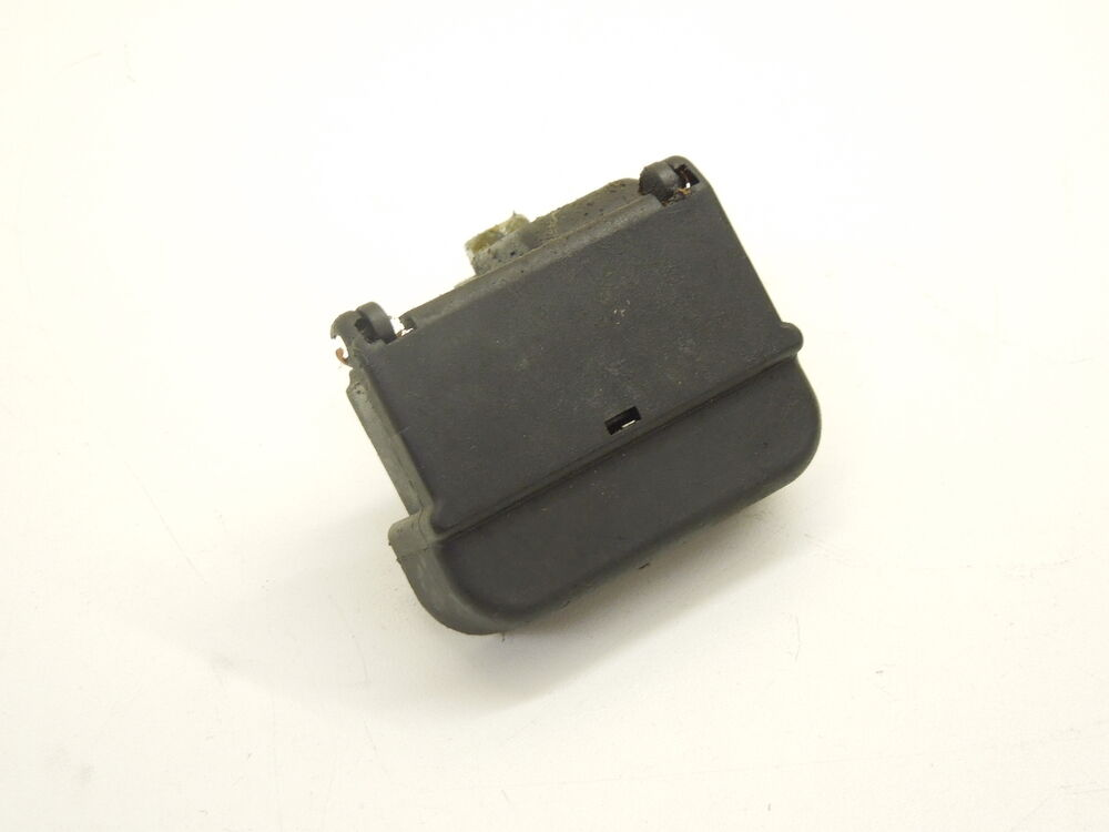 audi a6 c5 battery terminal fuse box 8z0941824b ebay. Black Bedroom Furniture Sets. Home Design Ideas