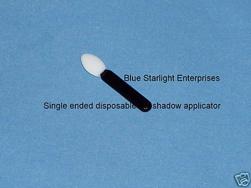 how to clean eyeshadow applicator