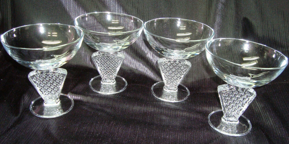 vintage art deco champagne sorbet glasses made in france set of 4 ebay. Black Bedroom Furniture Sets. Home Design Ideas