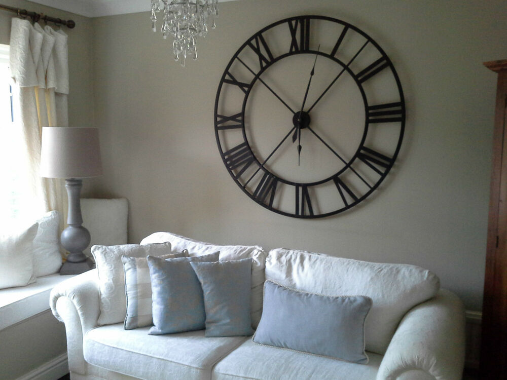 Large Black Metal Clock 86