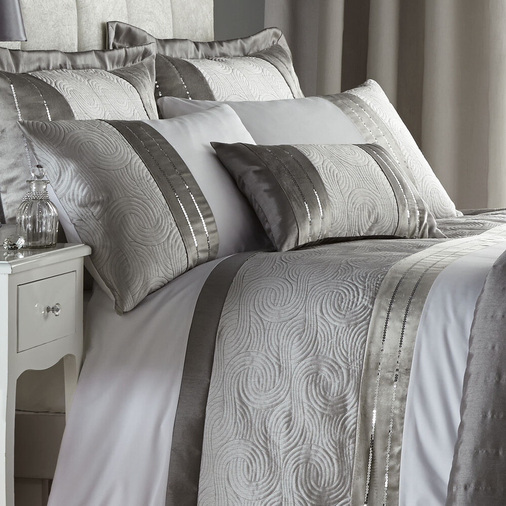 Catherine Lansfield Gatsby Silver Sequin White Duvet Quilt
