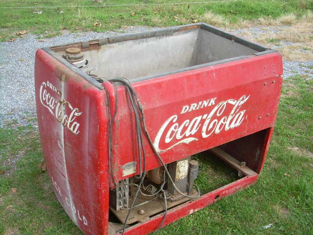 Coca cola chest type cooler coke ebay for 1 door retro coke cooler