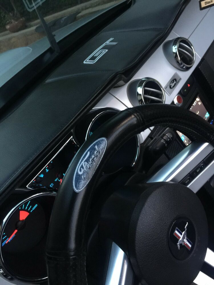 mustang 05 09 dashboard cover custom made vinyl interior perfect fit ebay. Black Bedroom Furniture Sets. Home Design Ideas