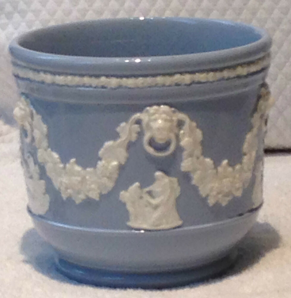 wedgwood queensware jasperware jardiniere planter cache. Black Bedroom Furniture Sets. Home Design Ideas