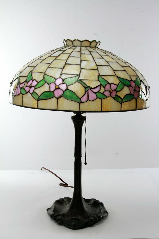 antique arts and crafts leaded lamp floral design shade in. Black Bedroom Furniture Sets. Home Design Ideas