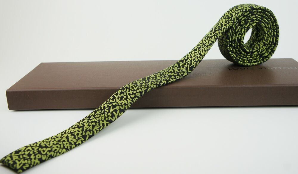 louis vuitton graffiti m73983 skinny tie cravate vert by stephen sprouse ebay. Black Bedroom Furniture Sets. Home Design Ideas