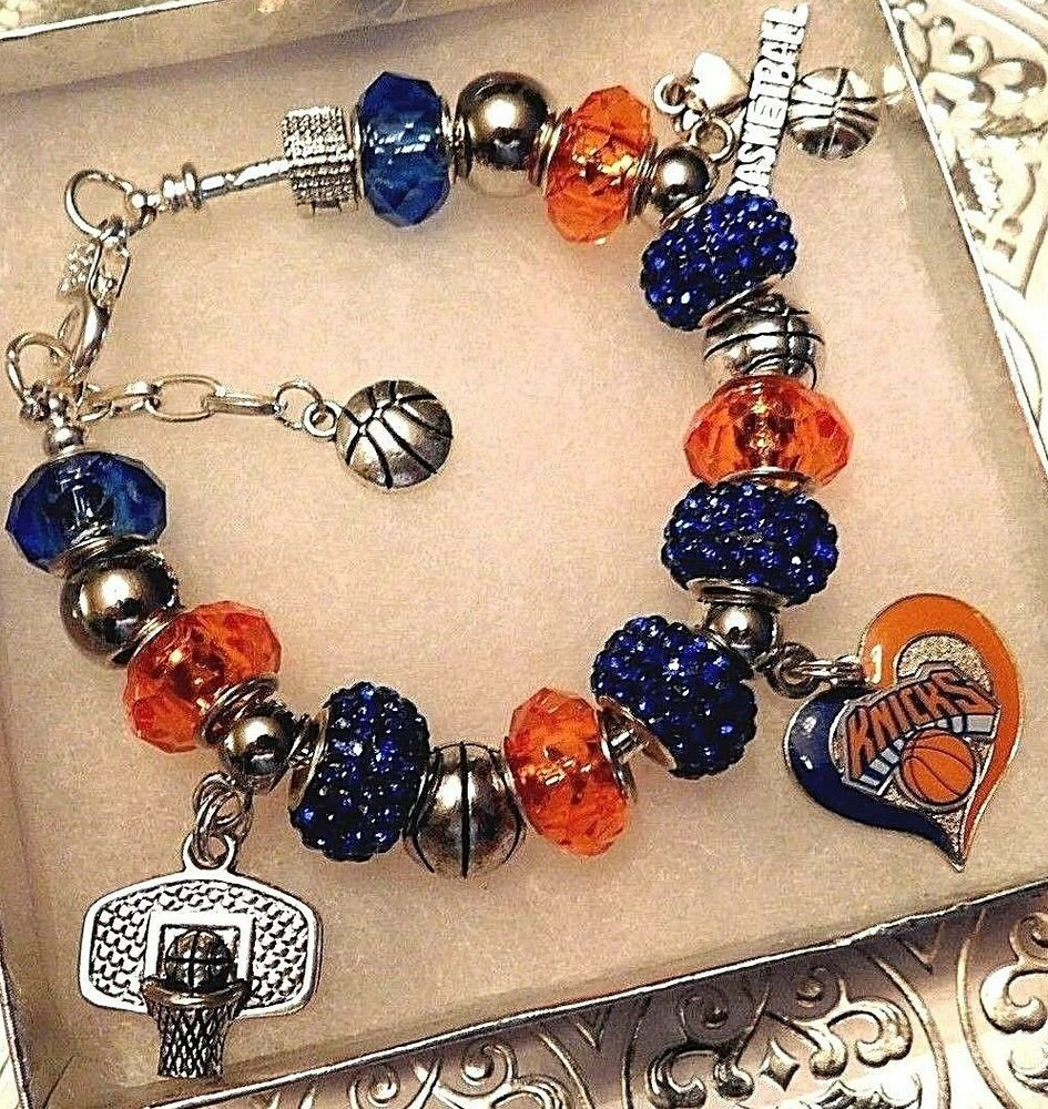 NBA NEW YORK KNICKS Crystal Team Charm Bracelet