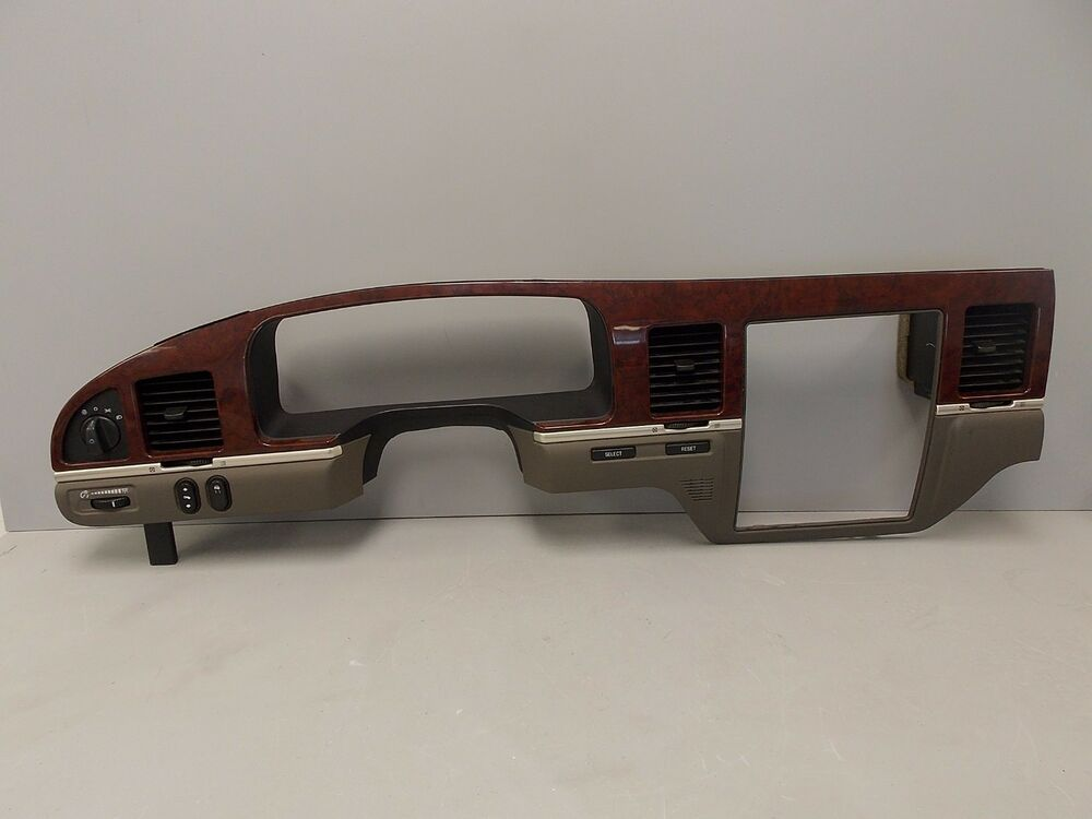 03 06 lincoln town car central dash bezel trim vents cluster surround woodgrain ebay. Black Bedroom Furniture Sets. Home Design Ideas