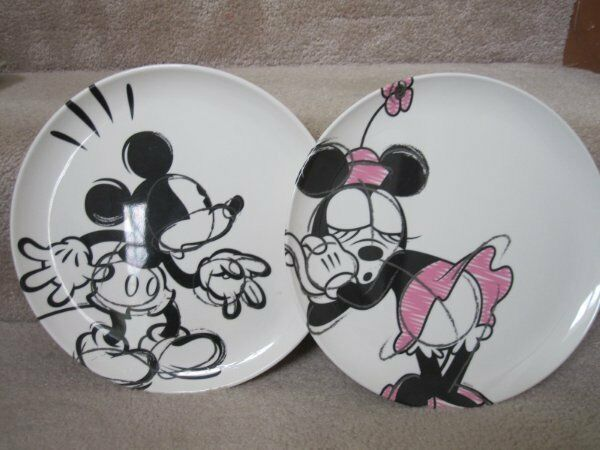 Zak Disney Mickey Minnie Mouse Sketch 10 Inch Plastic
