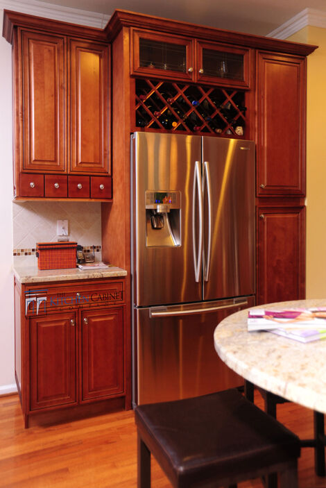 sell kitchen cabinets kitchen cabinets mocha maple glazed collection solid wood 2156