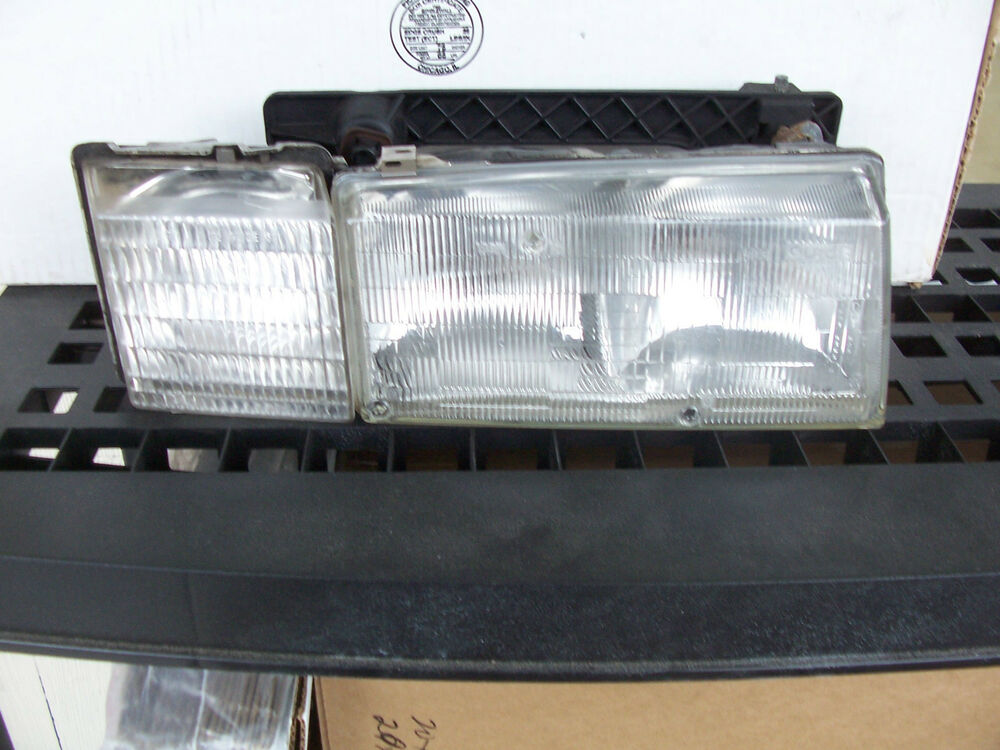 Service Manual 1992 Cadillac Seville Headlight Replace