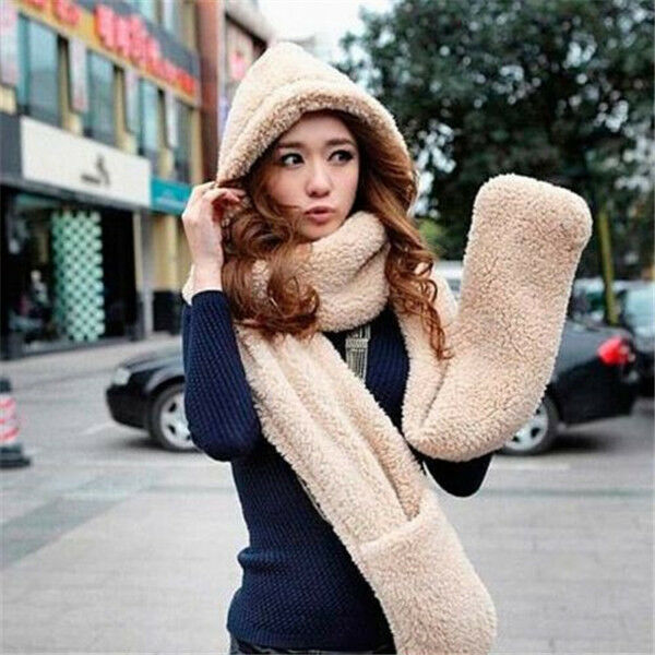 The women's winter gloves category offers popular shearling sheepskin winter gloves, lambskin leather gloves, womens winter mittens and ladies gloves with fur trim or sheepskin trim and cashmere lining. Ideal for keeping your hand warm.