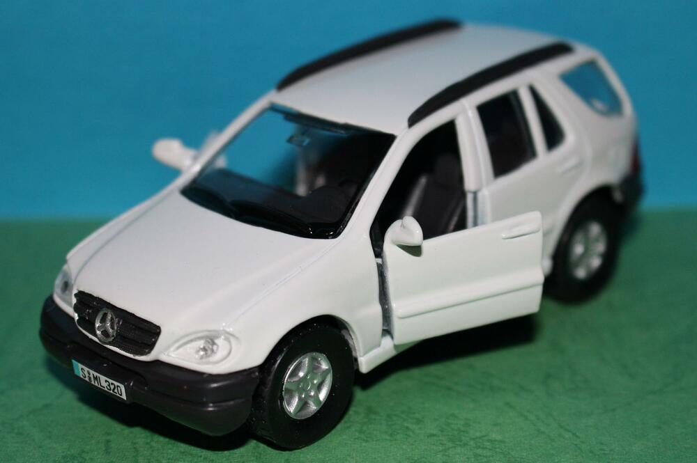 Mercedes Benz Ml 320 1 41 Diecast Metal Model 1 41 Scale
