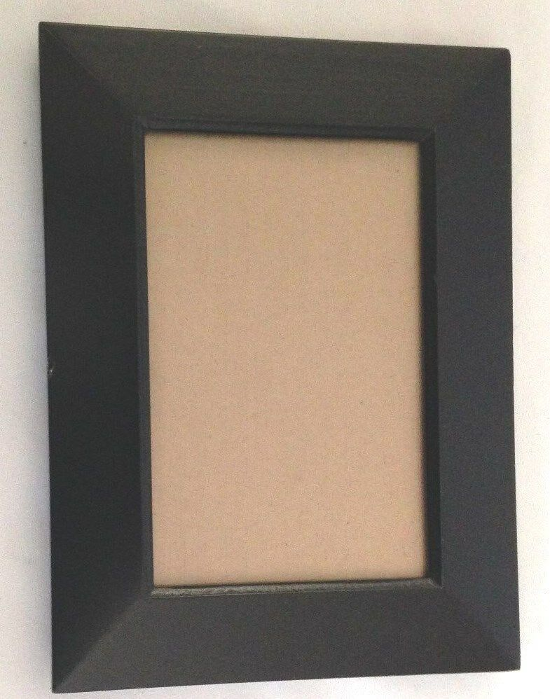 prinz black wood 6x8 picture frame holds 4x6 photo ebay. Black Bedroom Furniture Sets. Home Design Ideas