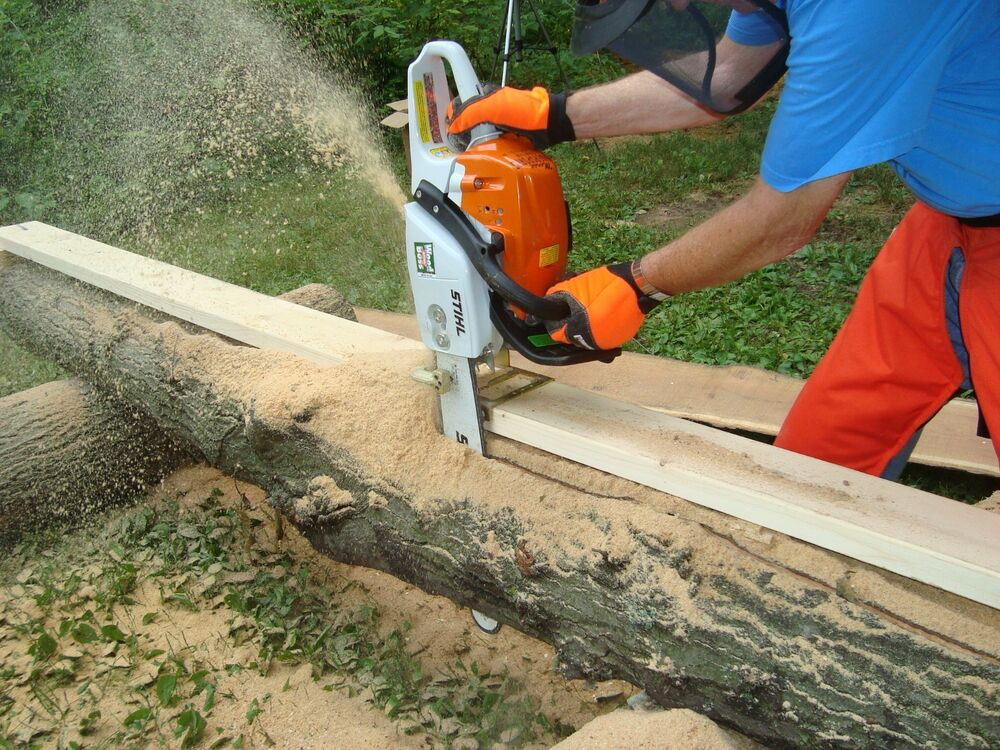 Lumber cutting guide chainsaw attachment saw cut wood work ...