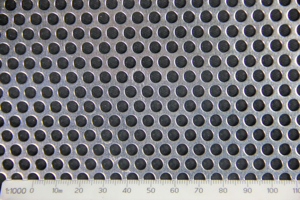 3mm Hole 5mm Pitch 1mm Thickness Ss304 Perforated Mesh