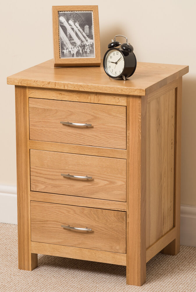 Boston Solid Oak Wood Small Bedside Table Unit 3 Drawer