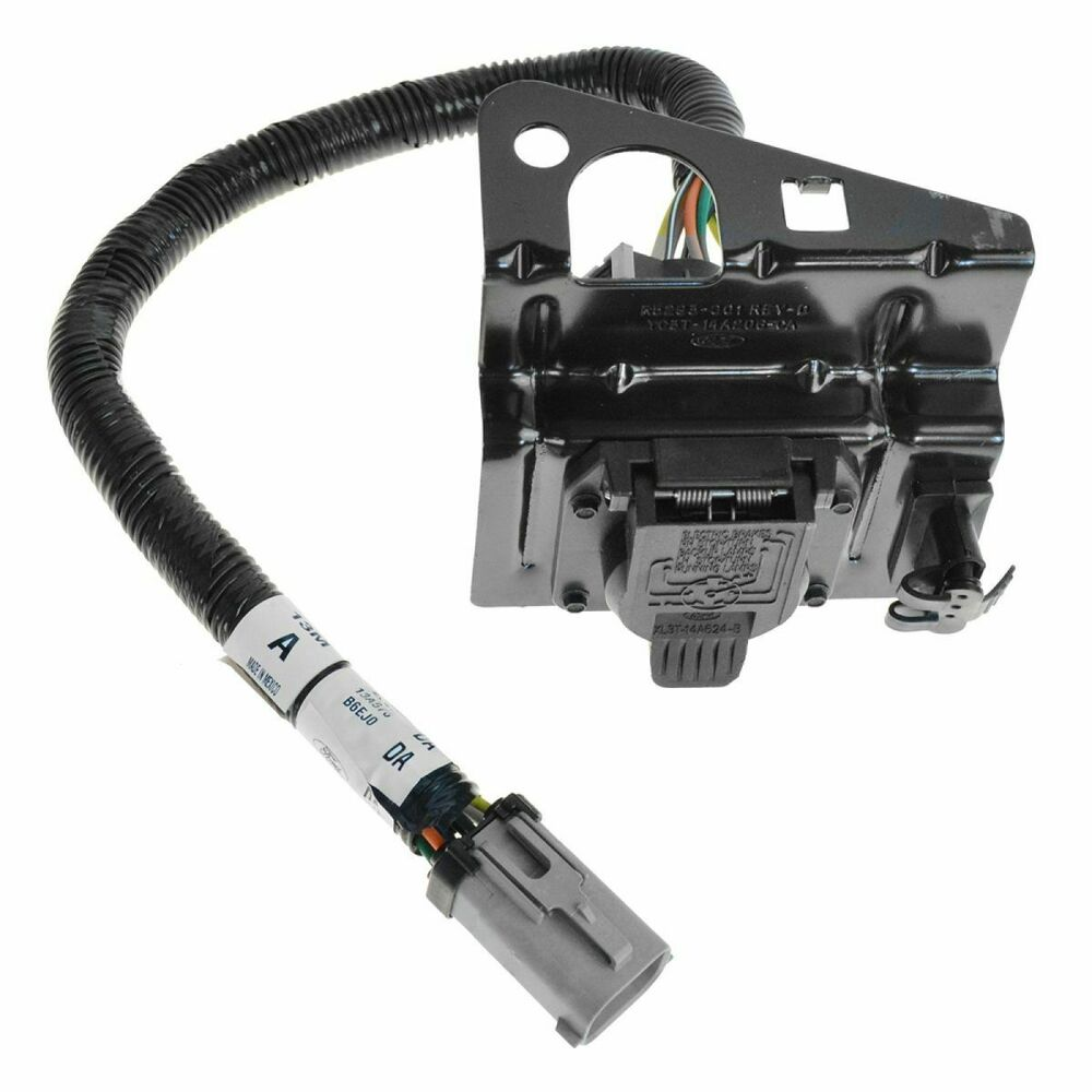 ford 4 & 7 pin trailer tow wiring harness w/plug & bracket ... 2002 ford f350 trailer wiring diagram f350 trailer wiring harness #8