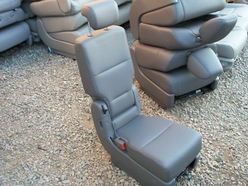 2011 2016 honda odyssey middle seat console truffle charcoal leather ebay. Black Bedroom Furniture Sets. Home Design Ideas