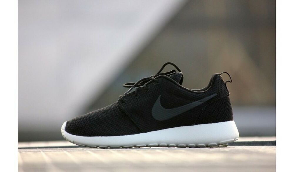 release date 8b34e 3a707 Details about Nike Roshe One Black Anthracite Sail grey white rosherun run  511881-010