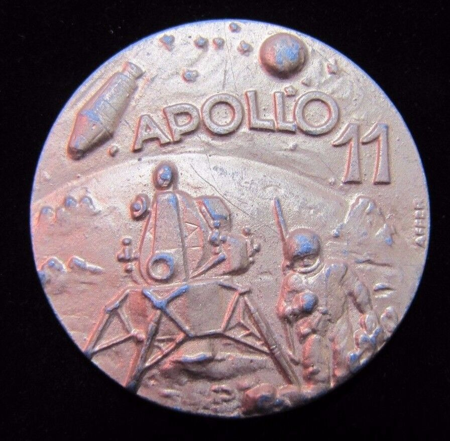 vintage apollo 11 medallion paperweight first men on the moon 1969 ornate 2x sid ebay. Black Bedroom Furniture Sets. Home Design Ideas