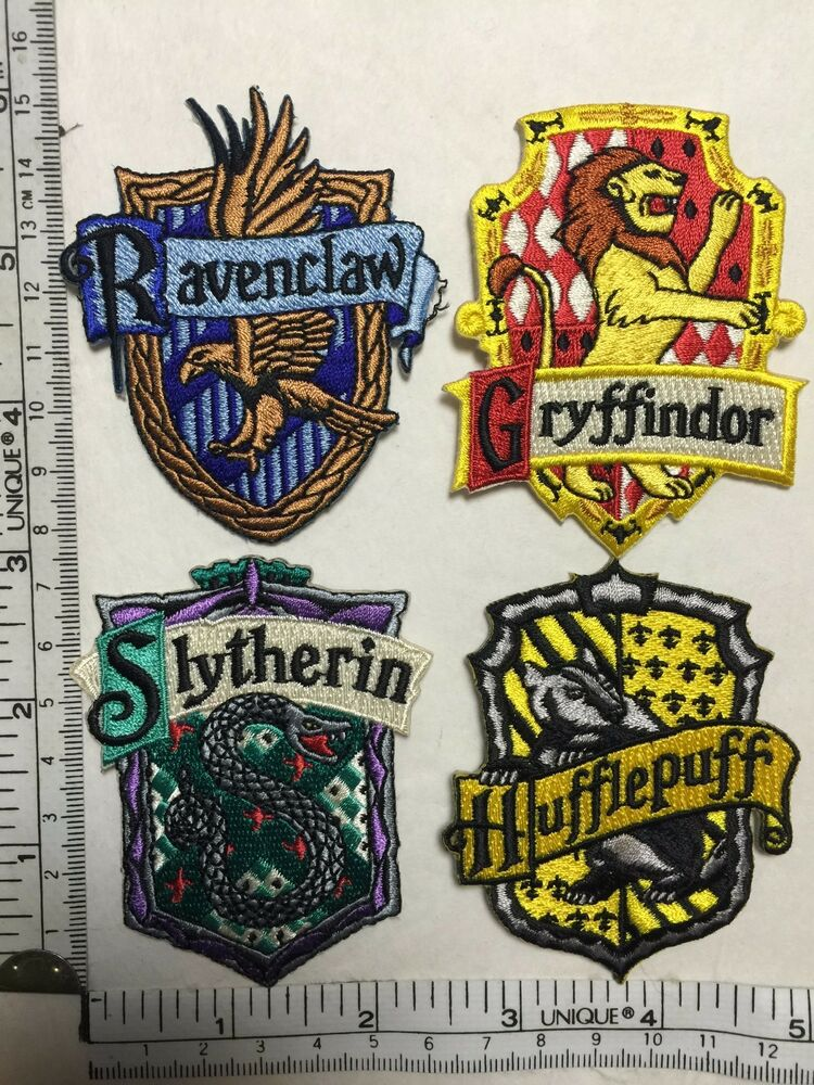 harry potter house patches crest gryffindor ravenclaw slytherin hufflepuff movie ebay. Black Bedroom Furniture Sets. Home Design Ideas