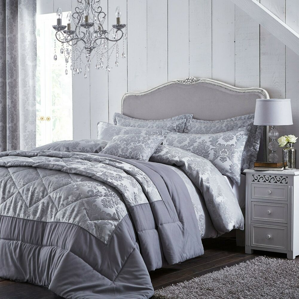 Jardin Quilted Velvet Quilt Cover: Catherine Lansfield Damask Jacquard Silver/Grey Luxury
