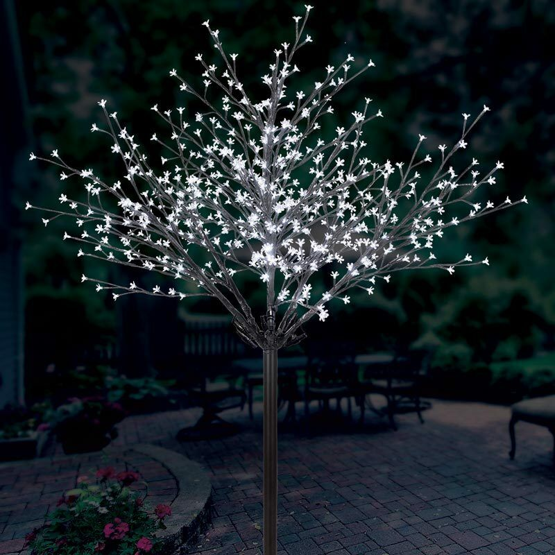 Costco Twinkling Christmas Tree: 7ft / 2.13m Indoor Outdoor 600 LED Slow Twinkling