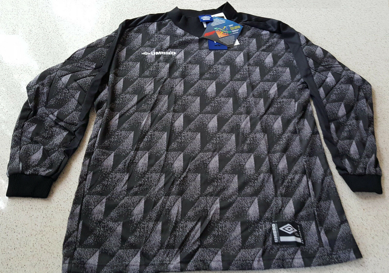 ... UPC 634378417841 product image for Umbro Goalkeeper Jersey Retro  Vintage 90s Padded Adult Xl  247435fbe