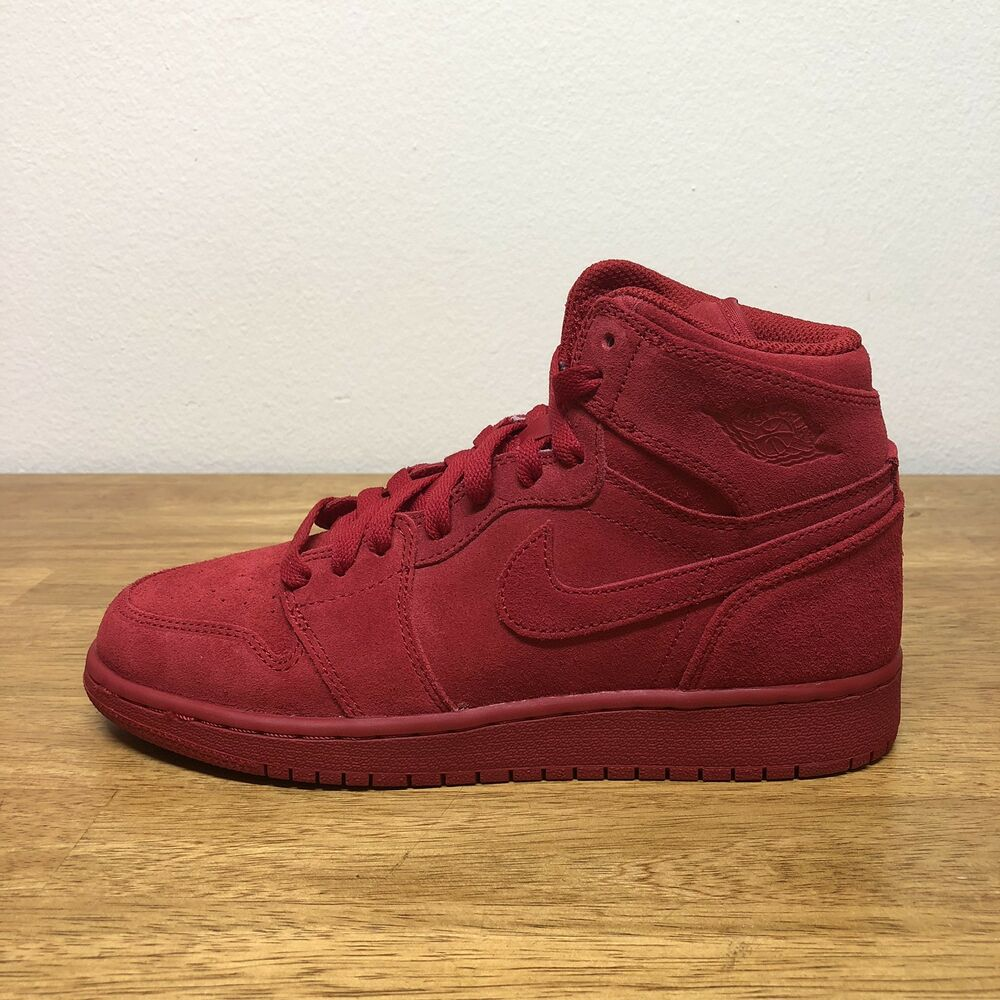 the best attitude d3393 87f07 Details about NIKE AIR JORDAN 1 RETRO HIGH BG (705300-603) GYM RED SUEDE  SZ. 5.5Y WMNS 7